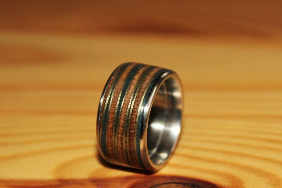 Uwe Witte Ring Nussbaum Kunstharz
